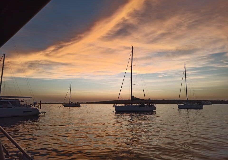 Un atardecer en barco con Marine Spirit